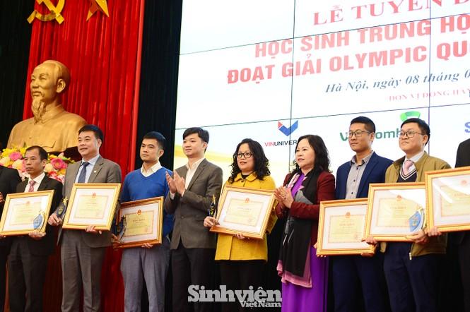 Vinh danh 24 học sinh giành giải Olympic quốc tế năm 2020 - ảnh 4