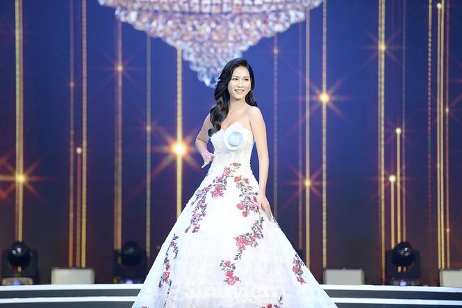 Nhan sắc rạng ngời của nữ sinh viên giành vương miện Hoa khôi Sinh viên Việt Nam 2020 - ảnh 3