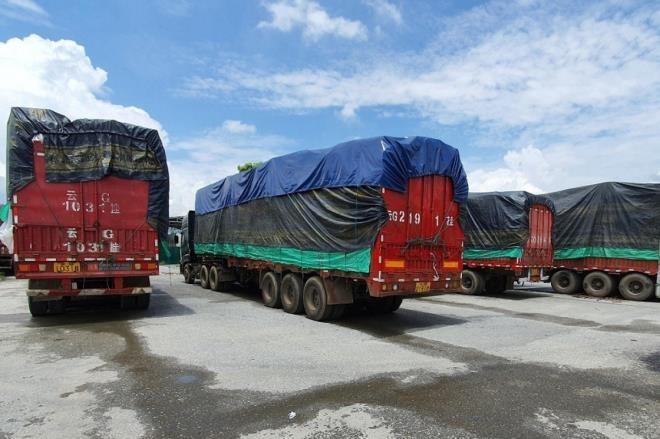 Hải quan sắp bán đấu giá 100 xe tải chờ hàng hoá 'vô chủ' ở Lào Cai