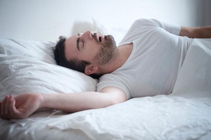 Những thói quen khi ngủ 'giết hại' sức khỏe, giảm cả chục năm tuổi thọ