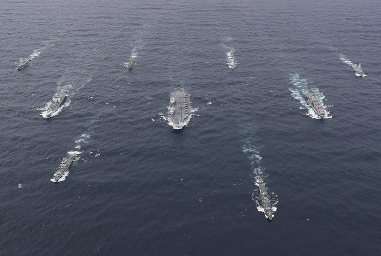 Tàu chiến Úc sẽ tham gia nhóm tàu sân bay Anh trong hải trình qua Biển Đông