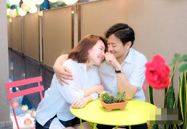 Showbiz 18/2: Vợ đại gia hơn tuổi của Quý Bình tiết lộ cuộc sống sau hôn nhân