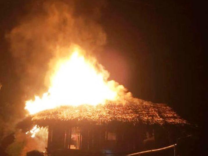 Nghịch tử châm lửa đốt nhà thành tro vì mẹ không cho tiền