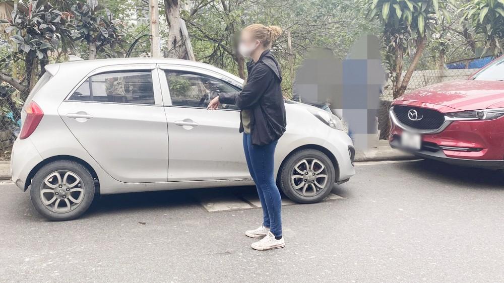 Thực nghiệm hiện trường vụ tấn công tình dục nhiều người nước ngoài ở Hà Nội