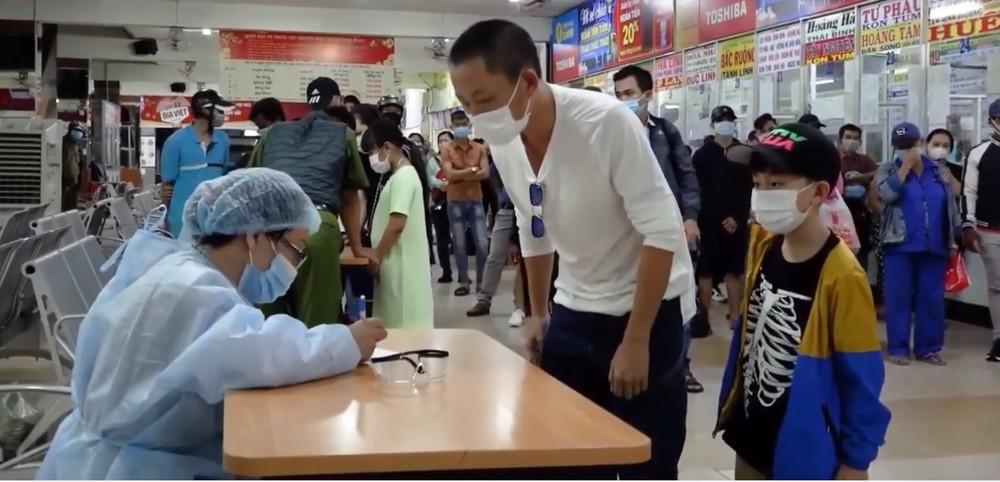 Hành khách từ sân bay Nội Bài, Vân Đồn, Cát Bi về TPHCM sẽ phải xét nghiệm COVID-19