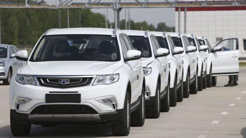 Giá tôm thẻ đầu vụ tăng cao, lượng xe Trung Quốc về Việt Nam tăng gấp 8 lần