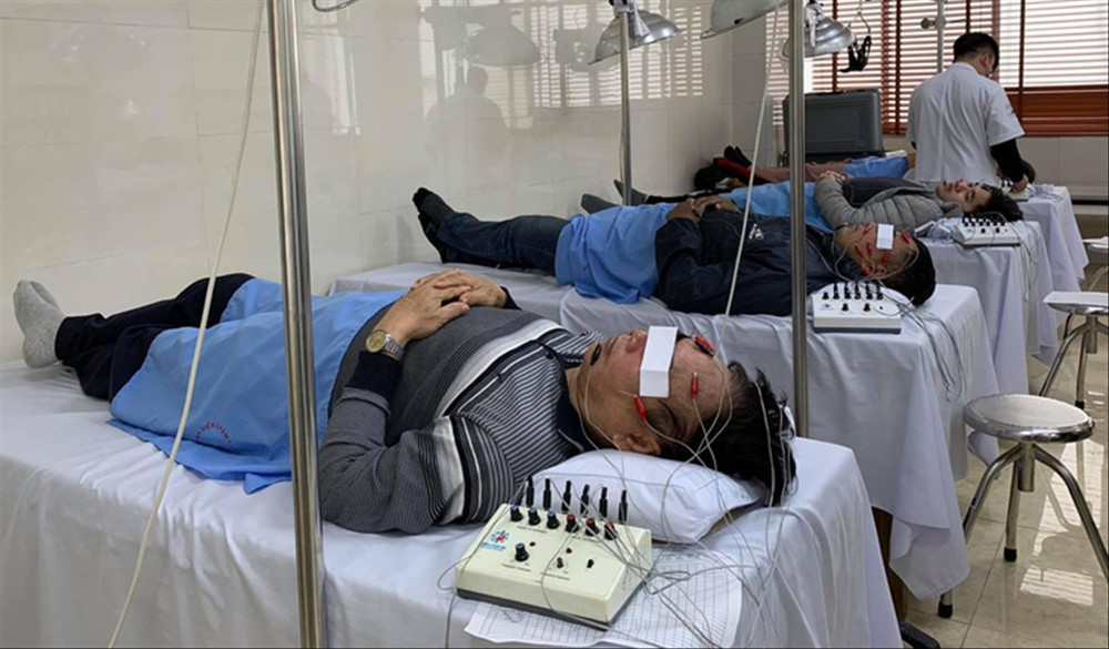 Gia tăng bệnh nhân liệt mặt, méo miệng vì lạnh