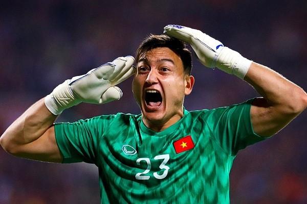 Thủ môn Đặng Văn Lâm bất ngờ sang Nhật Bản thi đấu