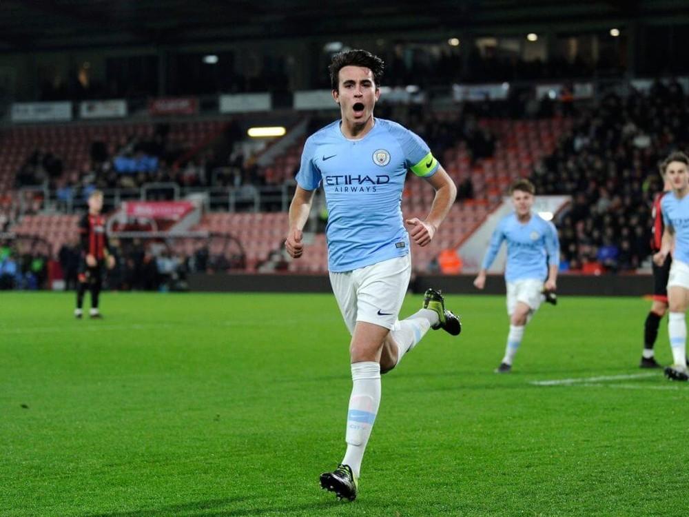 HLV Barcelona sốt ruột vì chưa mua được sao trẻ Man City