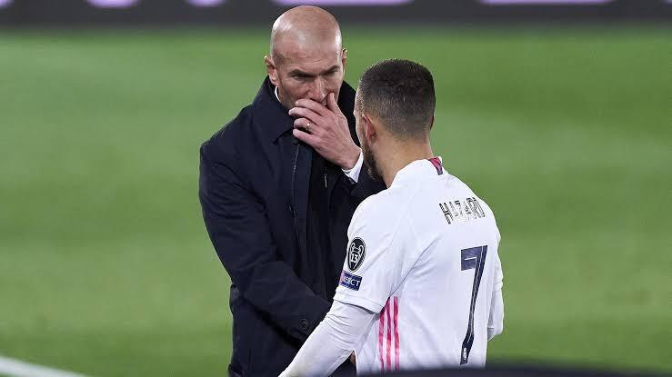 HLV Zidane mắc COVID-19, Real lâm khủng hoảng