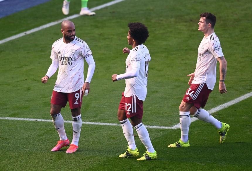 Pepe toả sáng, Arsenal ngược dòng hạ Leicester