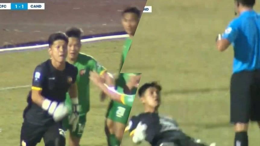 Báo nước ngoài sốc vì màn khiêu khích trọng tài của thủ môn Cần Thơ