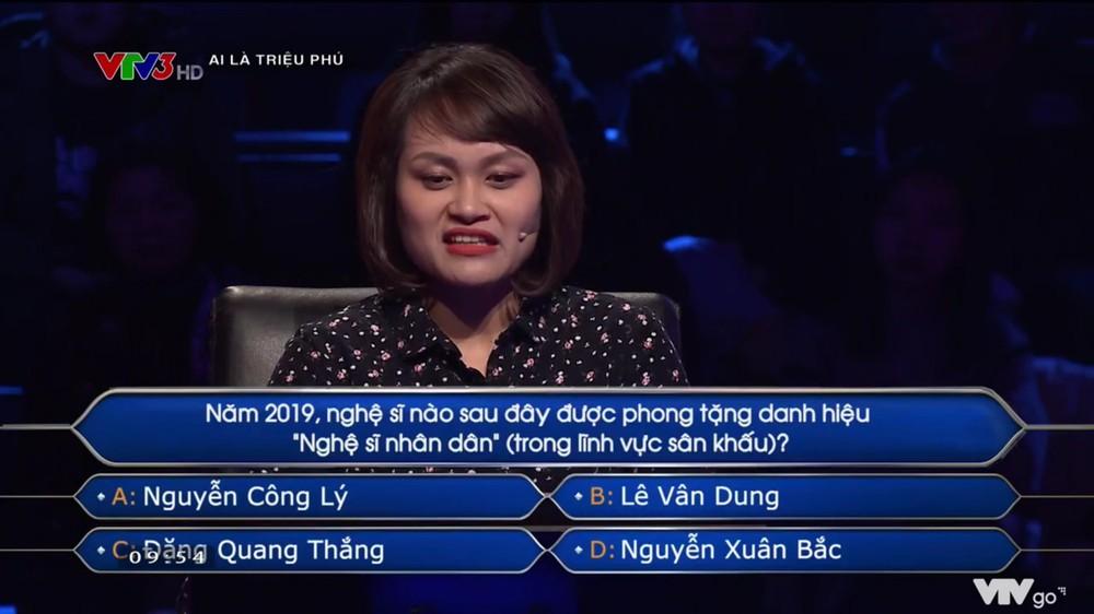 'Ai là triệu phú' khiến người chơi gặp khó khăn khi hỏi về NSND Công Lý