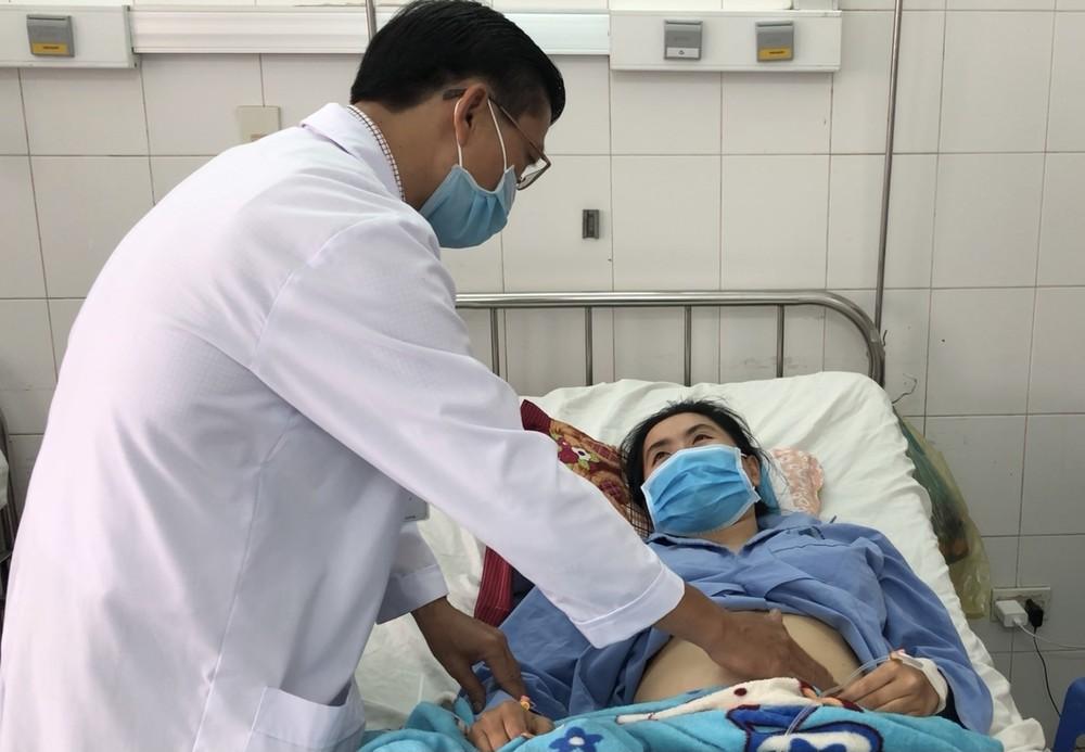 45 phút cứu sống thiếu nữ vỡ gan, đa chấn thương mà không phẫu thuật - giá vàng 9999 hôm nay 1011