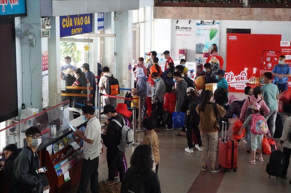 Gần nửa số vé Tết bị trả lại, đường sắt tung vé khuyến mại cận Tết