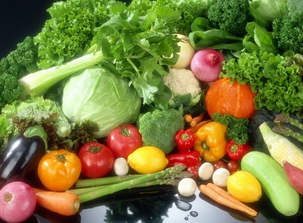 Chuyên gia y tế nói về nguy cơ COVID-19 lây qua thực phẩm, rau củ quả