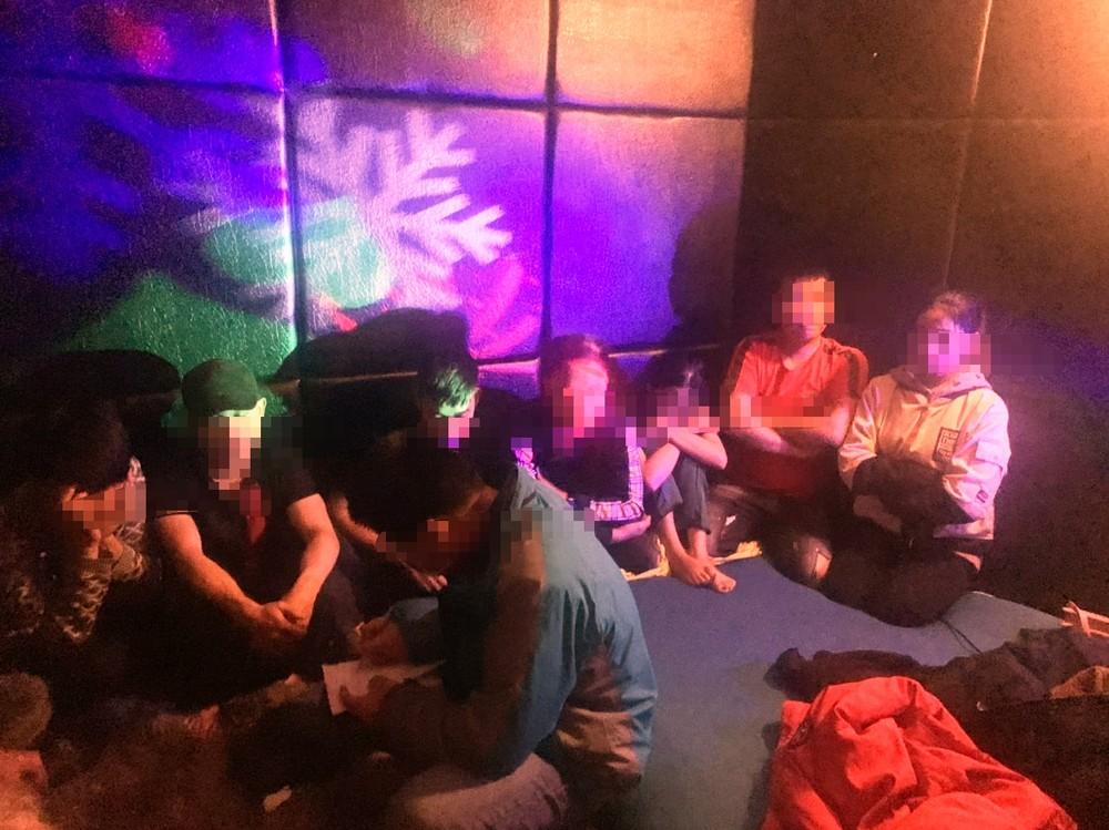 7 cô gái thác loạn ma tuý xuyên đêm cùng hàng chục bạn nam