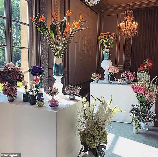 THẾ GIỚI: Tổng thống Pháp bị chỉ trích vì chi quá nhiều tiền mua hoa trong đại dịch COVID