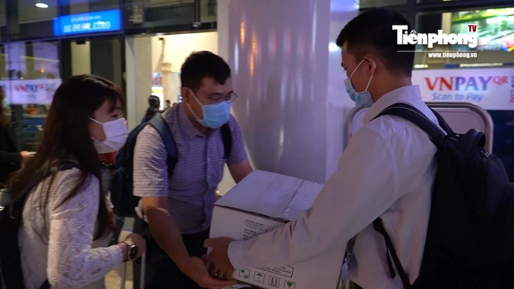 Bác sĩ Chợ Rẫy lên đường vào tâm dịch COVID-19 ở Gia Lai