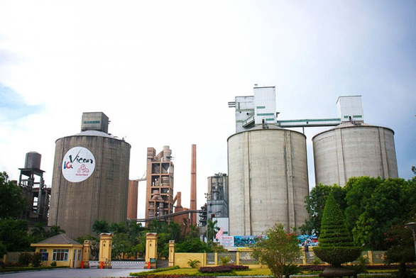 Công ty xi măng Hoàng Thạch bị phong toả vì công nhân dương tính SARS CoV-2, Bộ Xây dựng chỉ đạo gì?