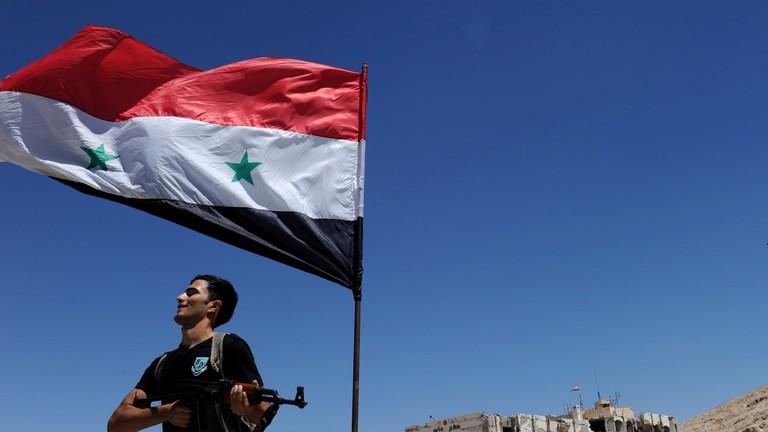 Không kích Syria, Mỹ bị tố 'hèn nhát', 'âm mưu chiếm đoạt tài nguyên'