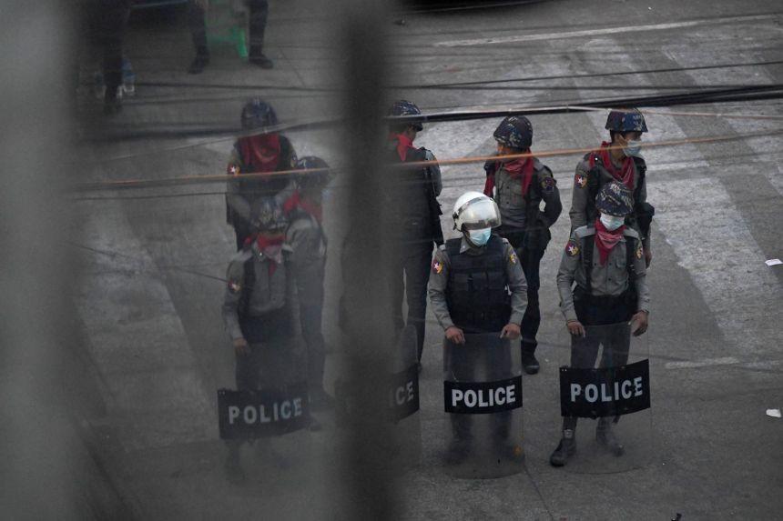 Vượt biên sang Ấn Độ, cảnh sát Myanmar tiết lộ ''được lệnh bắn tử vong người biểu tình''