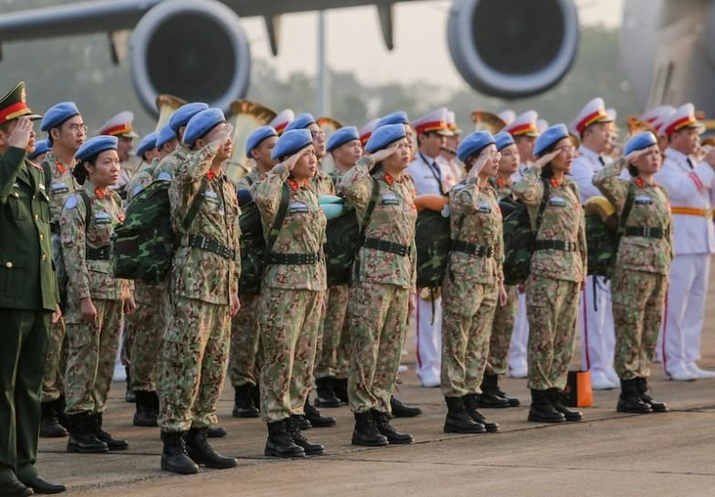 Giới ngoại giao nói gì về lực lượng mũ nồi xanh Việt Nam?