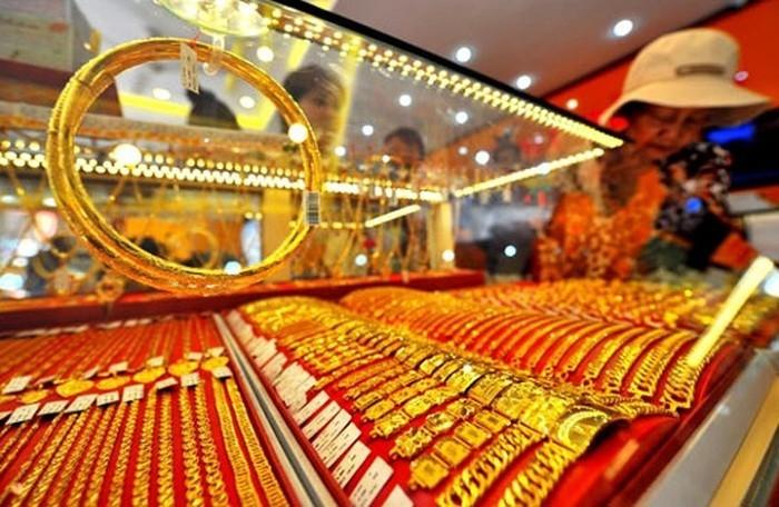 Phiên giao dịch đầu tiên năm Tân Sửu, giá vàng giảm nhẹ  