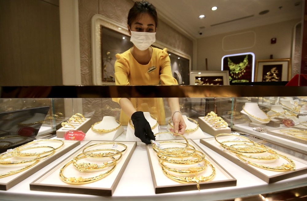 Đầu tuần, giá vàng bất ngờ bật tăng - giá vàng hôm nay