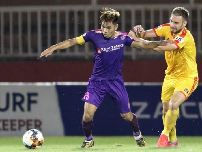 Hai cầu thủ Việt Nam sang Nhật Bản chơi bóng