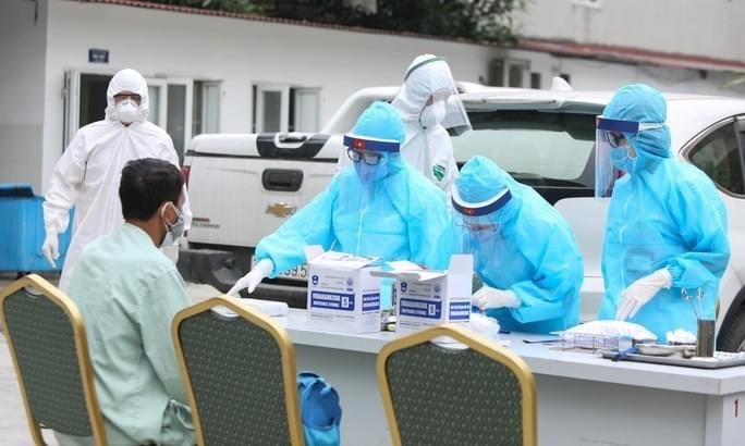Việt Nam thêm 12 ca mắc mới COVID-19, điều trị tại Hà Nội và Phú Yên