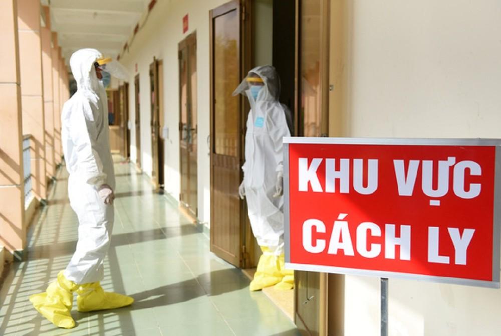 Thêm 4 ca mắc COVID-19, Bộ trưởng Y tế lo người nhập cảnh trái phép làm lây lan dịch