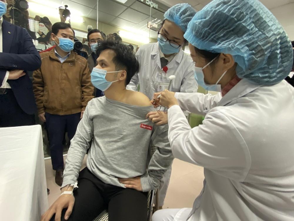 Hơn 90% người dân Việt Nam được hỏi chấp nhận tiêm vắc xin phòng COVID-19