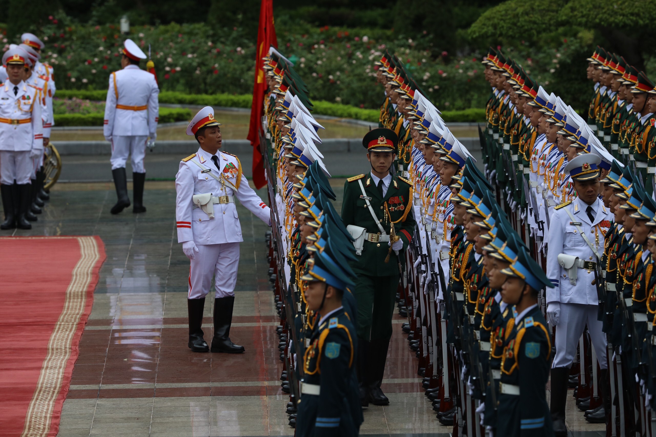 Thủ tướng Nguyễn Xuân Phúc chủ trì lễ đón thủ tướng Nhật Bản Suga Yoshihide ảnh 2