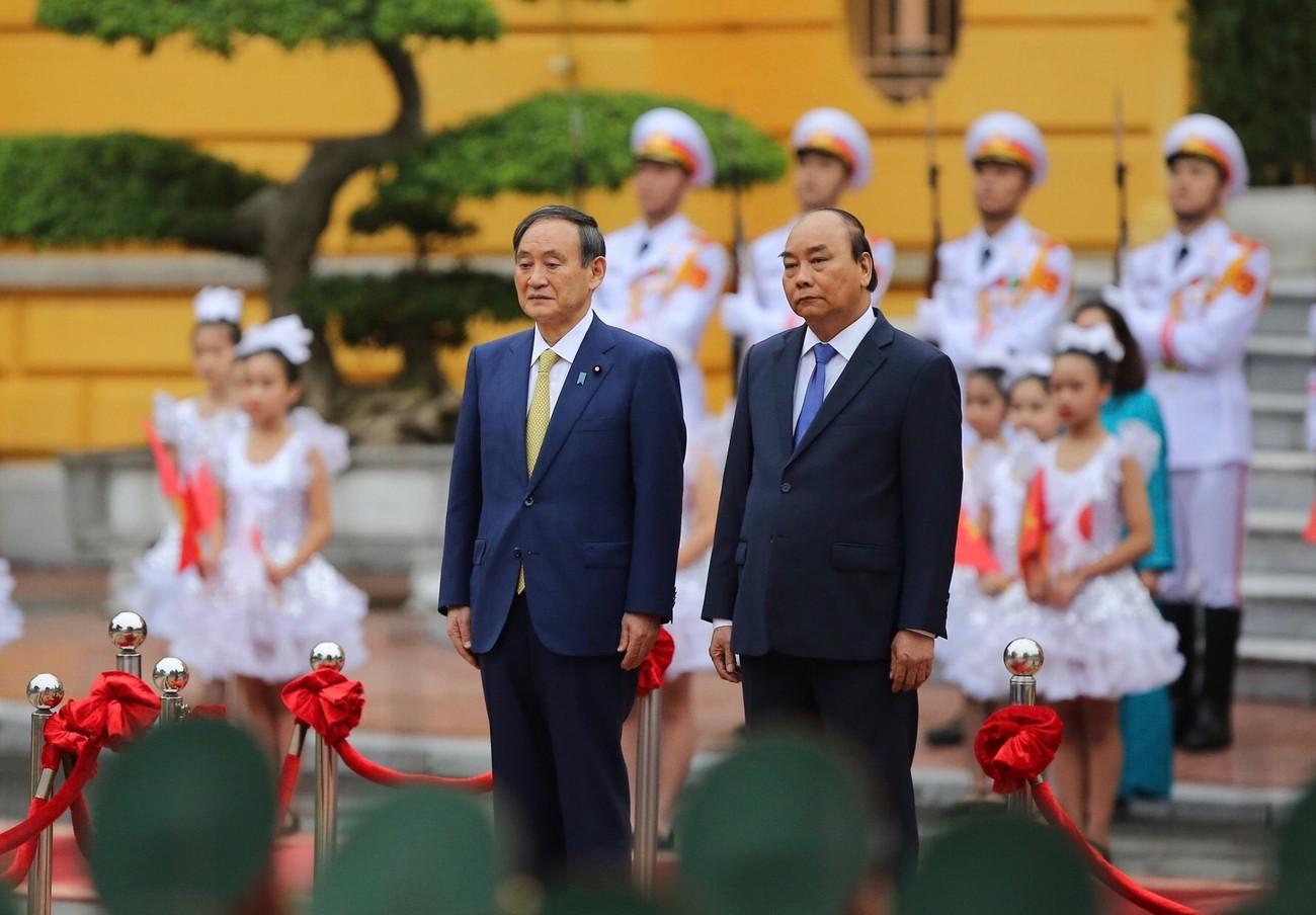 Thủ tướng Nguyễn Xuân Phúc chủ trì lễ đón thủ tướng Nhật Bản Suga Yoshihide ảnh 4