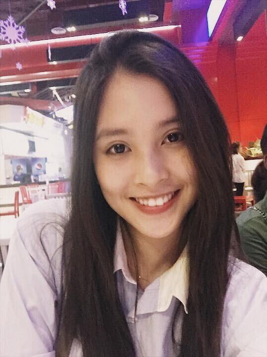 Loạt ảnh đời thường chưa từng tiết lộ của tân Hoa hậu Trần Tiểu Vy ảnh 2