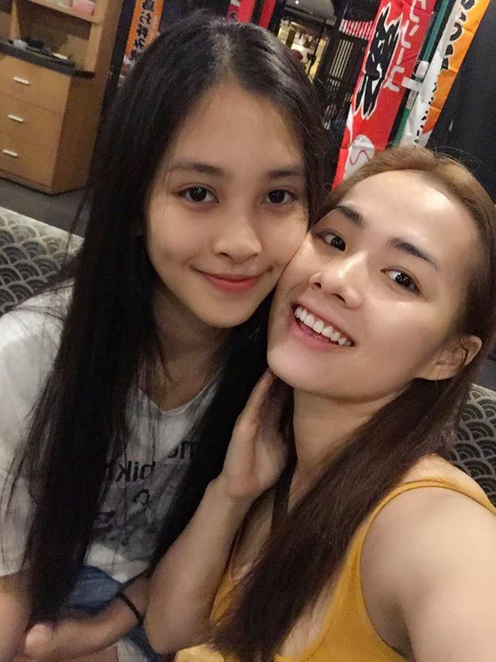 Loạt ảnh đời thường chưa từng tiết lộ của tân Hoa hậu Trần Tiểu Vy ảnh 5
