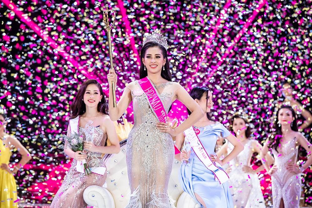 Hành trình đến vương miện của tân Hoa hậu Trần Tiểu Vy ảnh 13