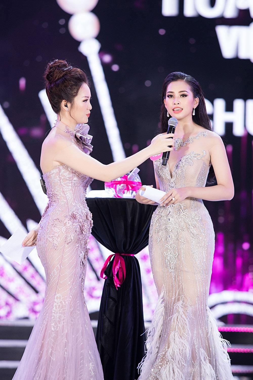 Hành trình đến vương miện của tân Hoa hậu Trần Tiểu Vy ảnh 12