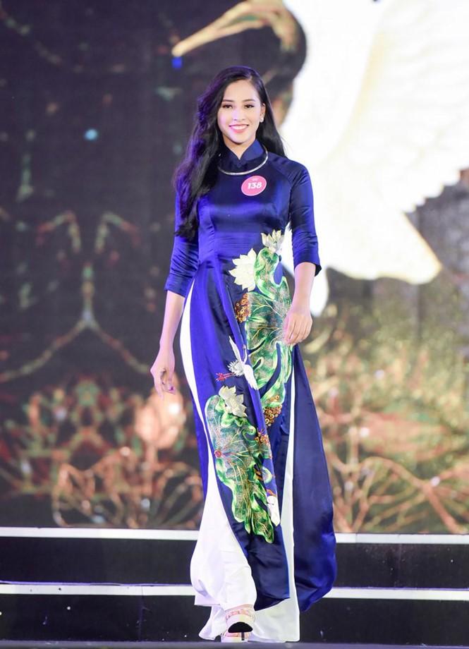 Hành trình đến vương miện của tân Hoa hậu Trần Tiểu Vy ảnh 6
