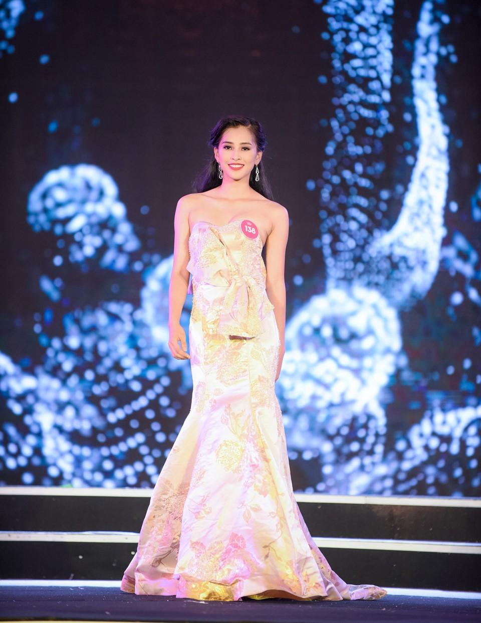 Hành trình đến vương miện của tân Hoa hậu Trần Tiểu Vy ảnh 7
