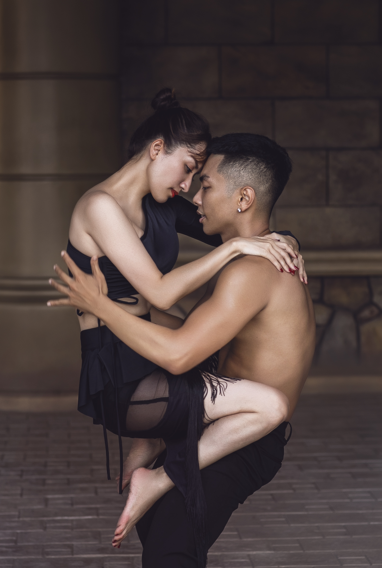 Ý nghĩa xúc động sau bộ ảnh tình tứ hết nấc của Khánh Thi và Phan Hiển ảnh 6