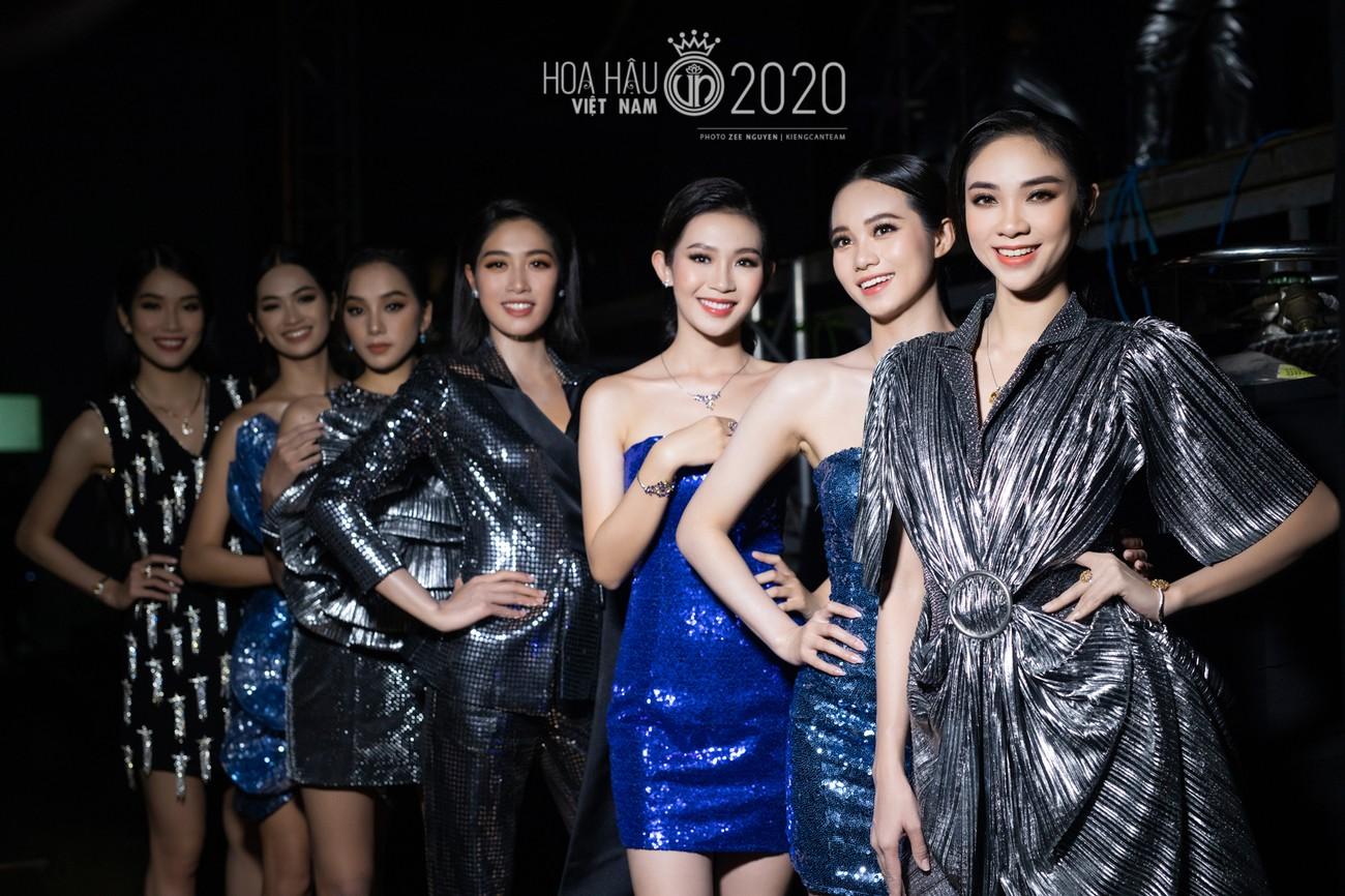 Hé lộ loạt ảnh hậu trường chung kết xinh đẹp của Hoa hậu Đỗ Thị Hà và các thí sinh ảnh 16