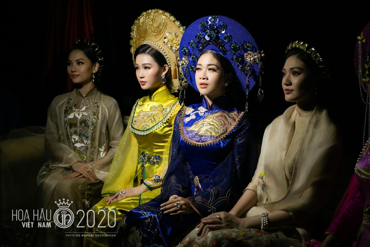 Hé lộ loạt ảnh hậu trường chung kết xinh đẹp của Hoa hậu Đỗ Thị Hà và các thí sinh ảnh 17