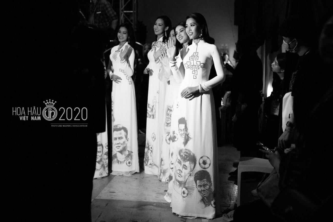 Hé lộ loạt ảnh hậu trường chung kết xinh đẹp của Hoa hậu Đỗ Thị Hà và các thí sinh ảnh 4