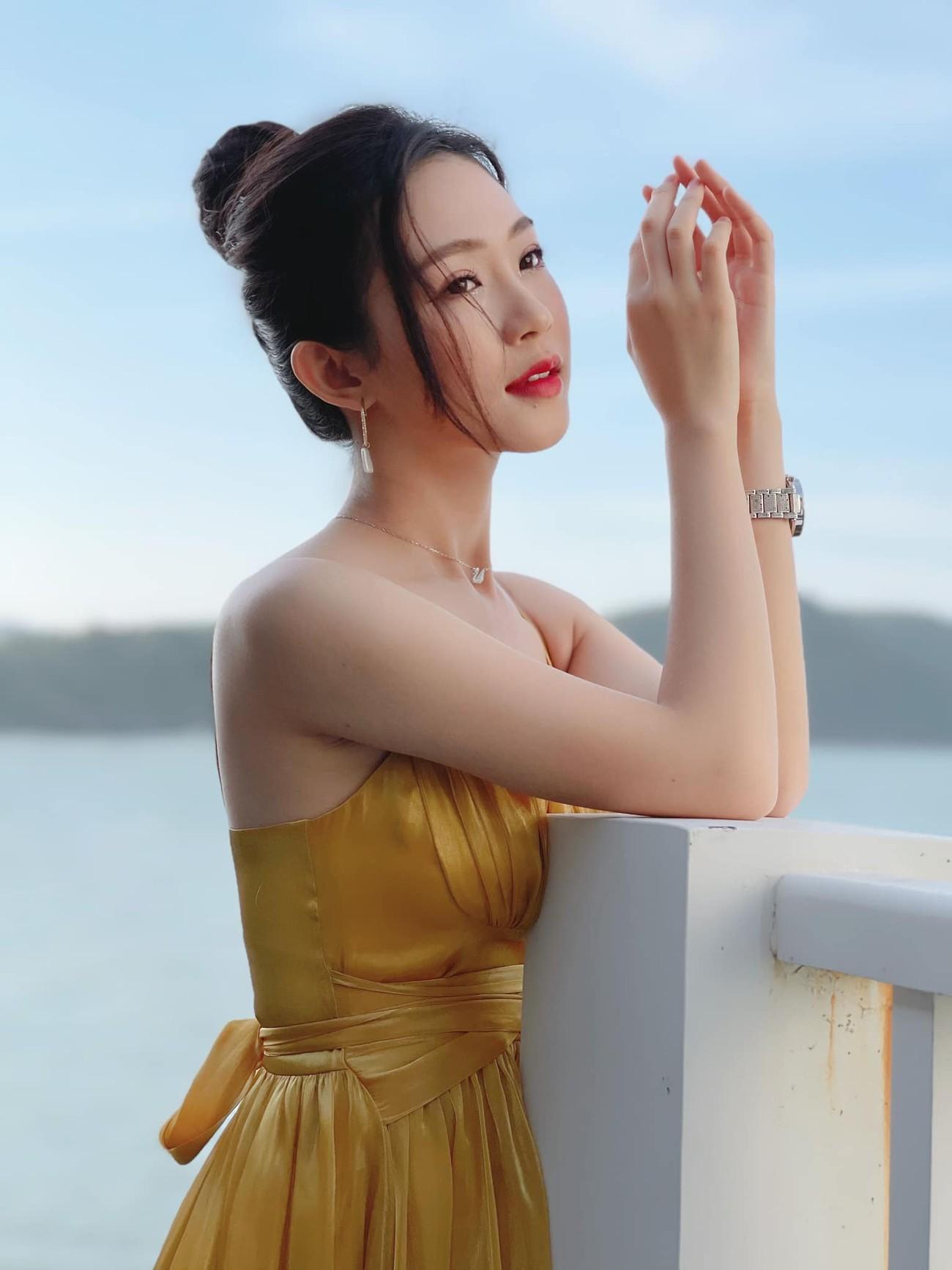 Nhan sắc tựa nàng thơ của 'Người đẹp được yêu thích nhất' Hoa hậu Việt Nam 2020 ảnh 1