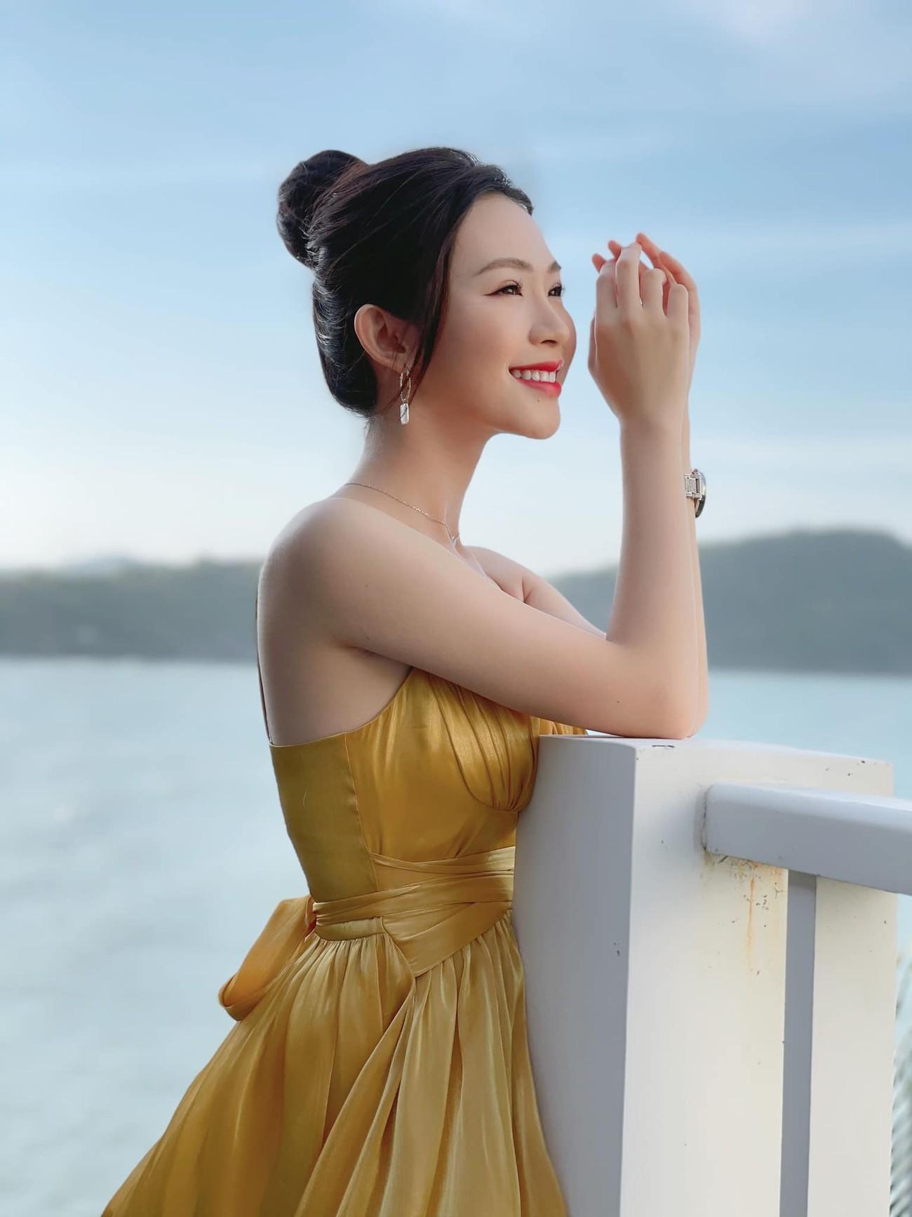 Nhan sắc tựa nàng thơ của 'Người đẹp được yêu thích nhất' Hoa hậu Việt Nam 2020 ảnh 2