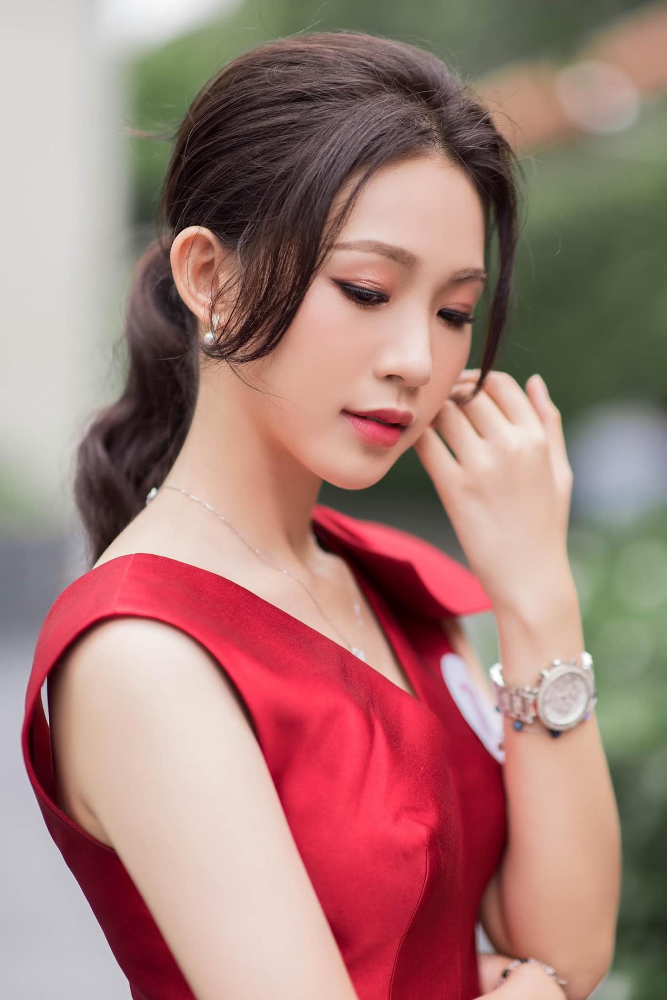 Nhan sắc tựa nàng thơ của 'Người đẹp được yêu thích nhất' Hoa hậu Việt Nam 2020 ảnh 7