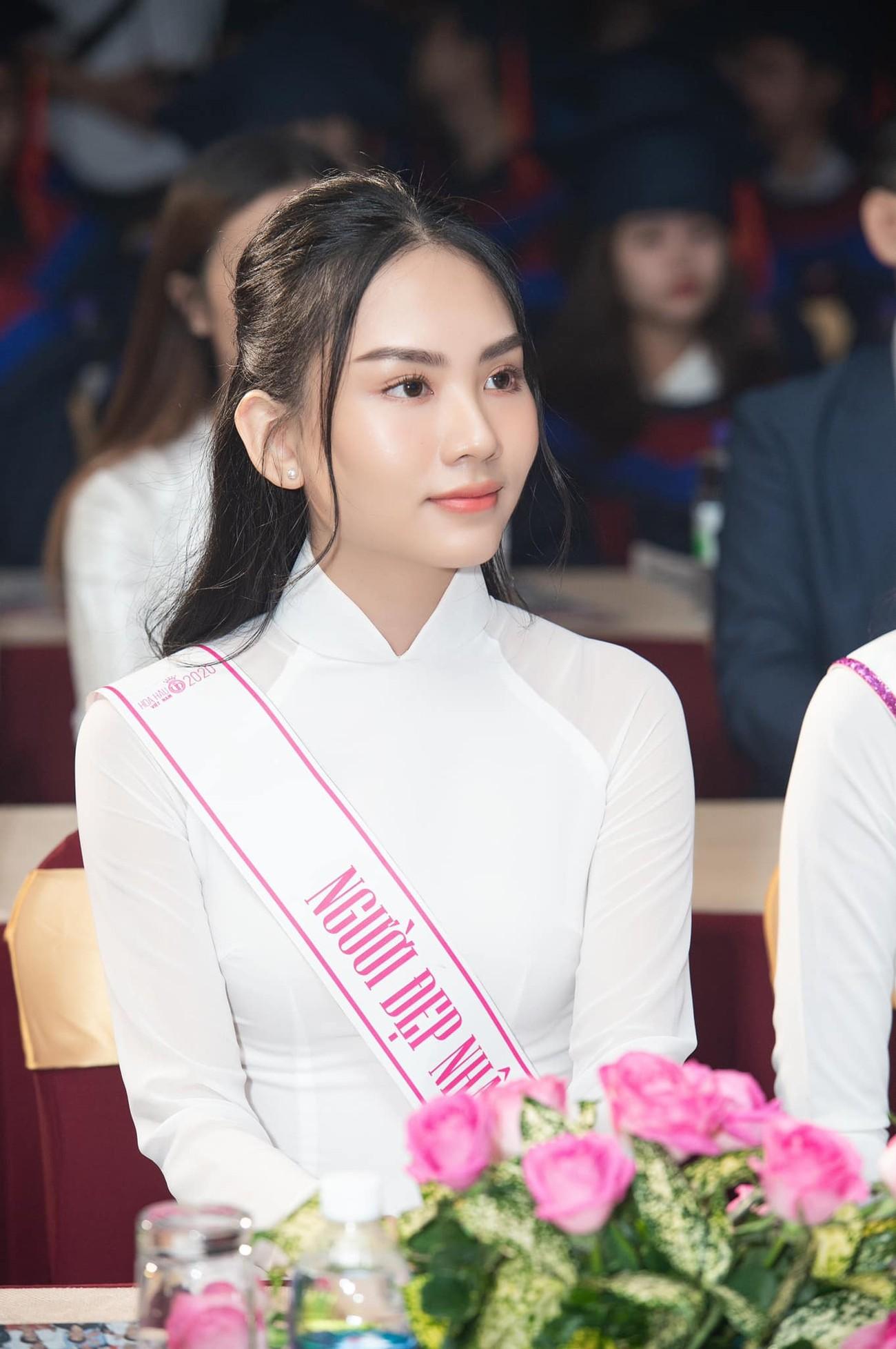 Người đẹp Nhân ái Huỳnh Nguyễn Mai Phương: Khi nhẹ nhàng như sương mai, khi sexy biến hóa ảnh 2