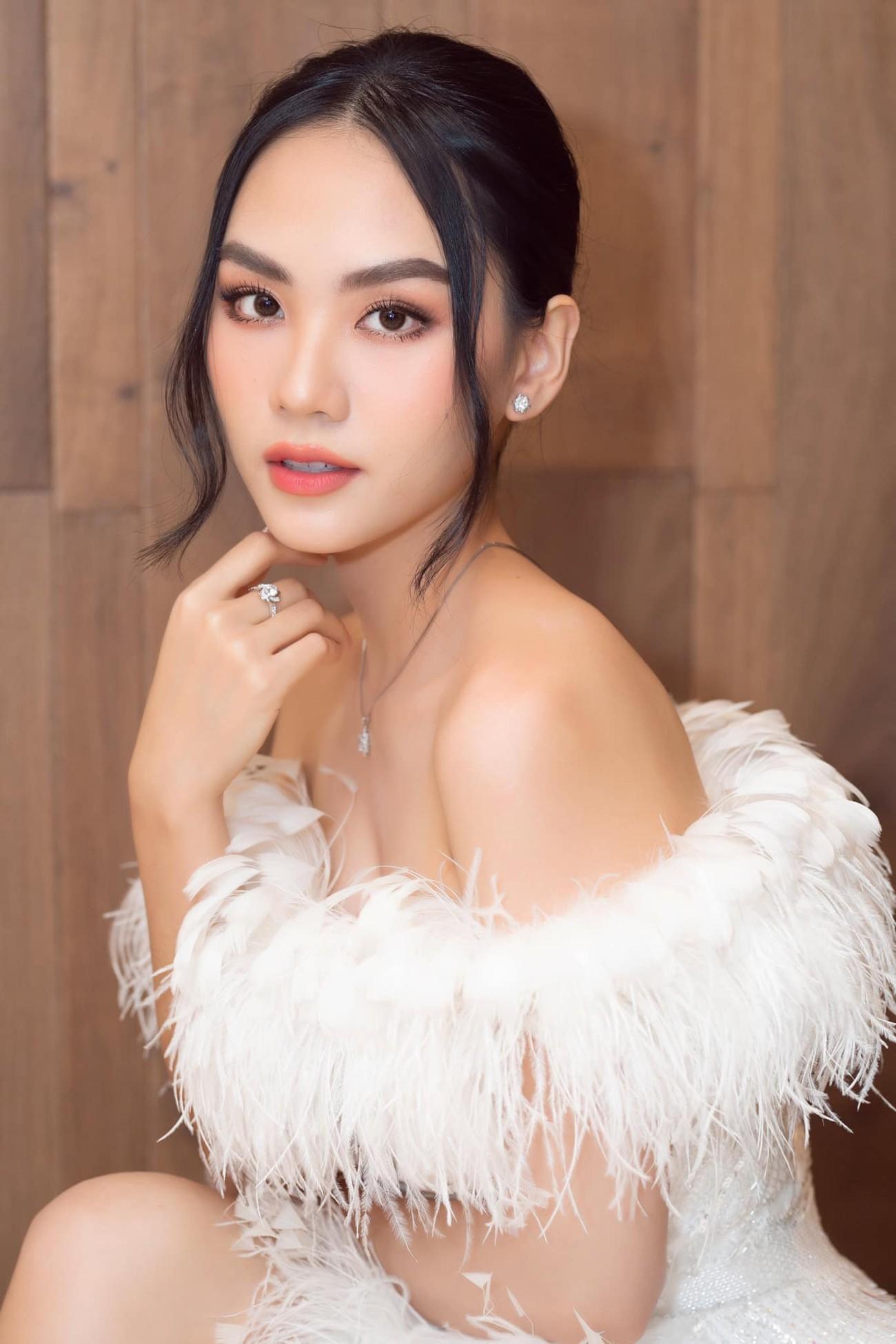 Diện váy cúp ngực gợi cảm, người đẹp Huỳnh Nguyễn Mai Phương hút hồn người nhìn ảnh 1